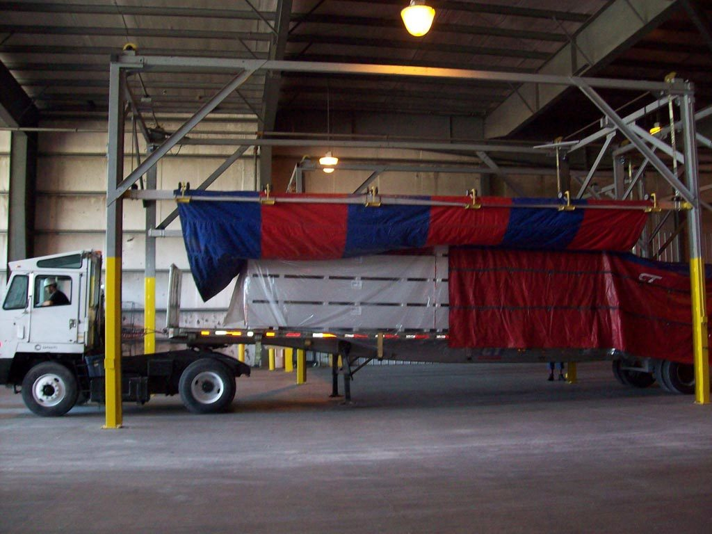 Safely Tarp Flatbed Tractor Trailer Loads Without Leaving